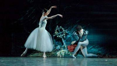 Guillaume Cote and Greta Hodgkinson of the National Ballet of Canada in Giselle