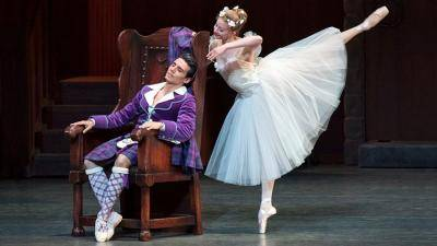 Sterling Hyltin & Jaoquin de Luz in Act I of La Sylphide