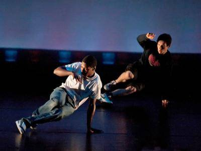 two breakdancer on stage