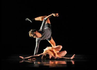 """Terri Best Dance artists Joey Thao and Anh Dillon in """"Threshold"""""""
