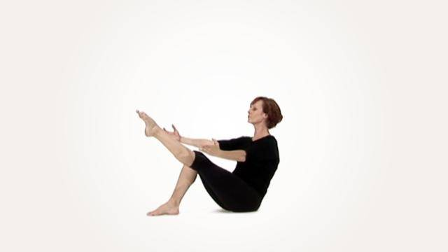 """Joelle Martinec """"Rolling Sit Ups"""" - Strength & Conditioning Online Class Tutorial"""
